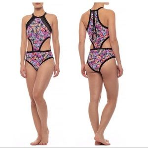 Body Glove Fly Millie High-Neck Swimsuit NWT 💕